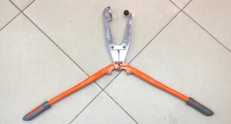 Инструмент для выдавливание ботинка